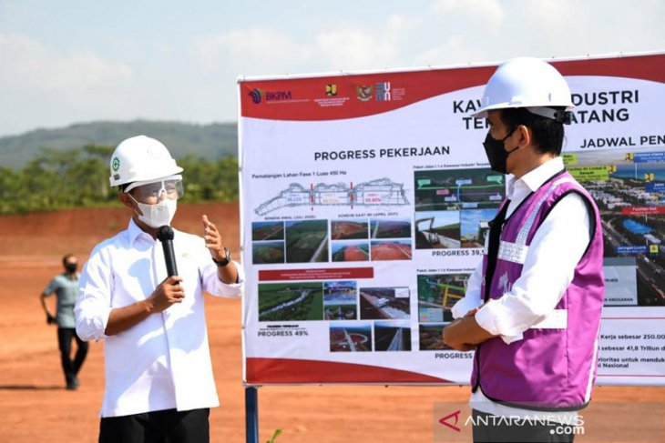 Southeast Asia's largest glass industry planned in Batang : President