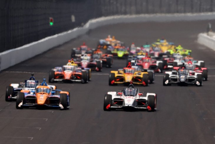 Penyelenggara Indianapolis 500  izinkan 135.000 penonton