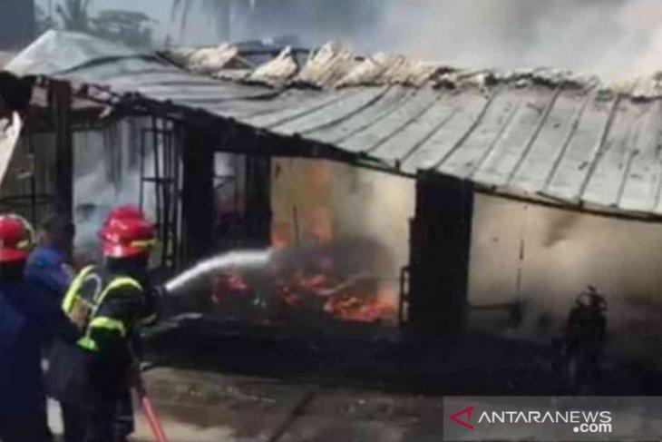Kebakaran bengkel tambal ban di Bekasi berhasil dipadamkan dalam 30 menit (video)