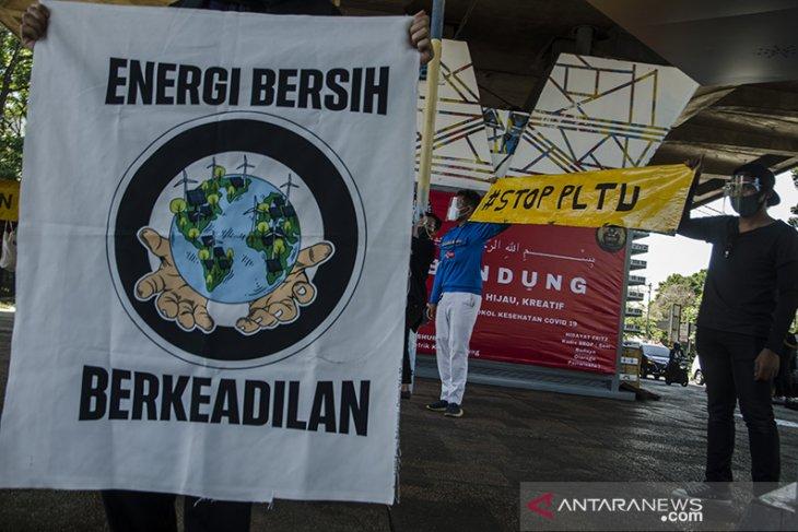 Aksi Hari Bumi di Bandung