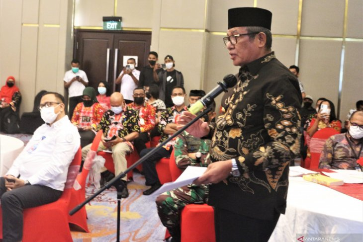 Bupati Maluku Tenggara minta Pemprov  Maluku adil bagi kue pembangunan