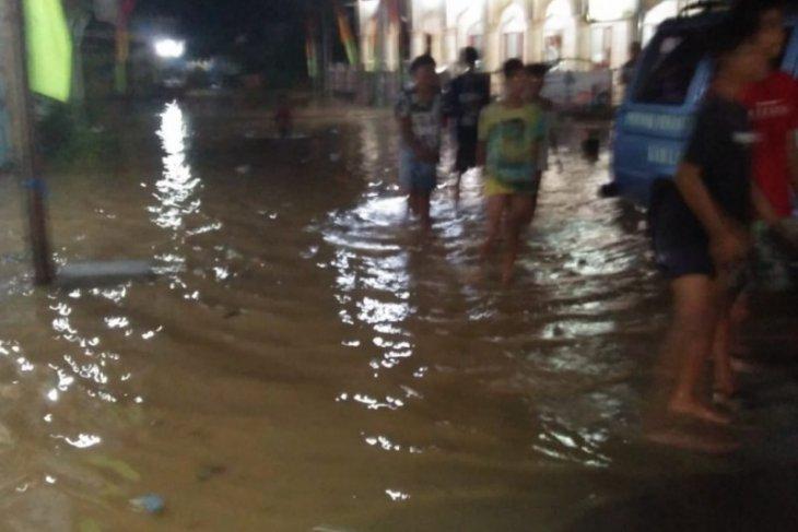 Sungai Tebo di Kuala Langkat meluap akibatkan banjir