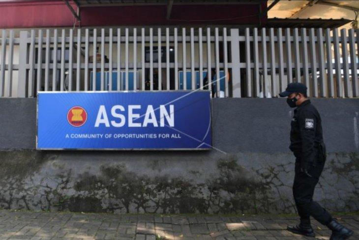 Menjelang KTT ASEAN di Jakarta