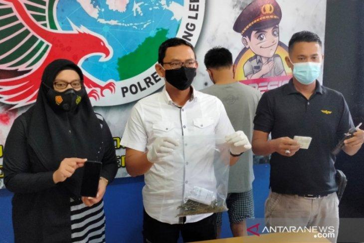 Polres Rejang Lebong tangkap oknum guru bawa ganja