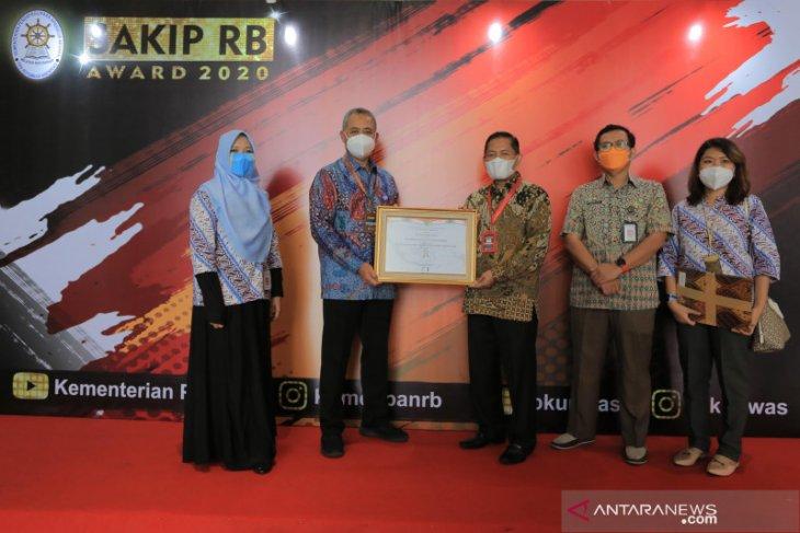 Pemkot Tangerang raih penghargaan reformasi birokrasi dari Kenpan RB
