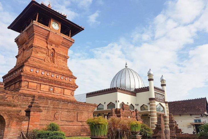Ini 7 masjid unik di Indonesia