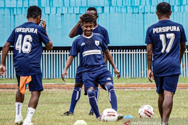 Jacksen nilai Piala AFC dan Liga 1 sama-sama penting untuk Persipura