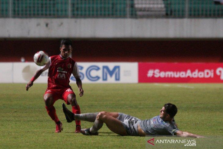 Persija Jakarta kalahkan Persib Bandung 2-0