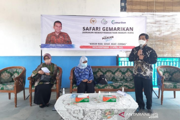 KKP serahkan 500 paket Gemarikan di Kota Pontianak