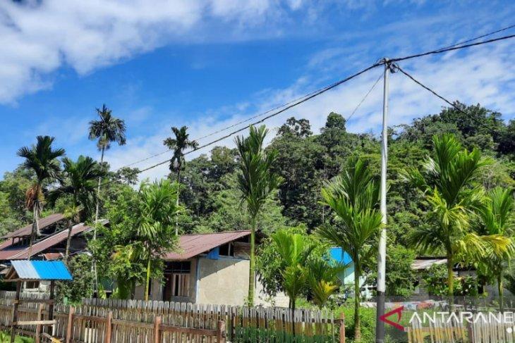 Pemkab Wondama bangun PLTS di kampung Dusner dan Muandarisi