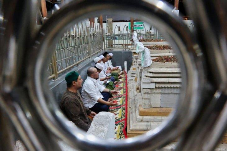 Titik balik balik transformasi spiritual LaNyalla di Masjid Sunan Giri