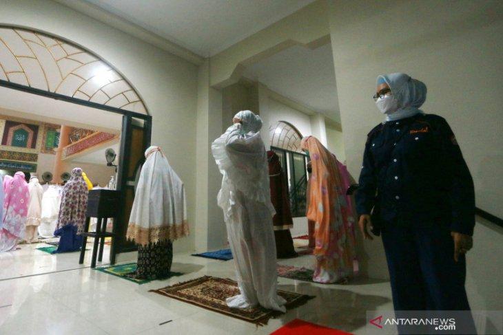 Satgas COVID-19 sidak protokol kesehatan di sejumlah masjid Bone Bolango