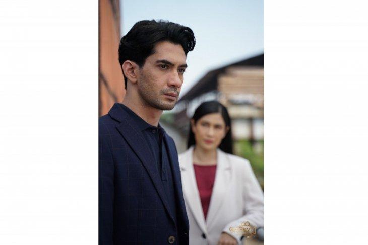 Bermodal ponsel Samsung, Reza Rahadian main film pendek