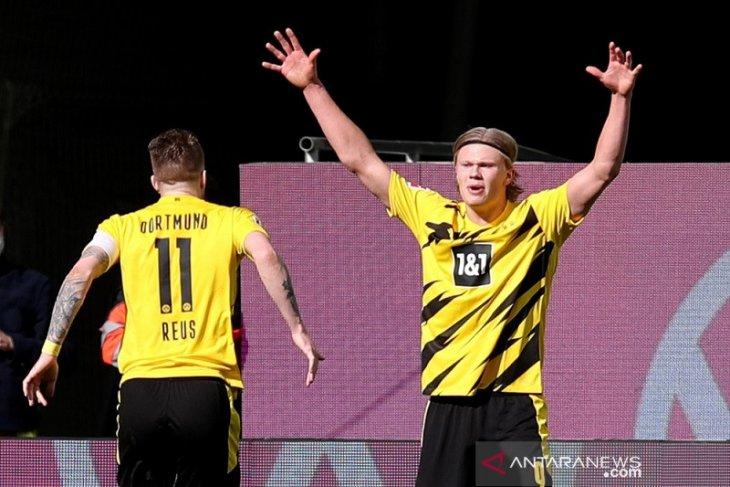 Kalahkan Wolfsburg, Dortmund terus pangkas jarak dari empat besar