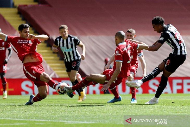 Liverpool kembali gagal jaga keunggulan saat diimbangi Newcastle 1-1