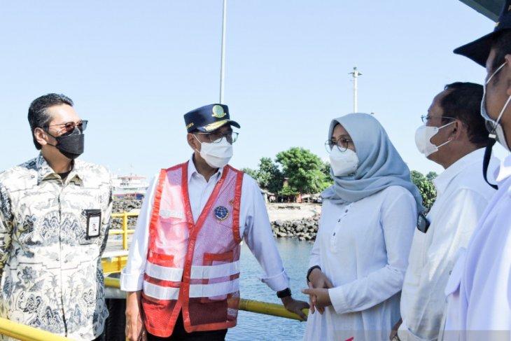 Menteri Budi Karya tinjau layanan feri jarak jauh Banyuwangi-Lombok