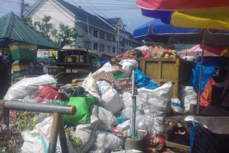 DLH Selama Ramadan produksi sampah di Kota Ternate meningkat