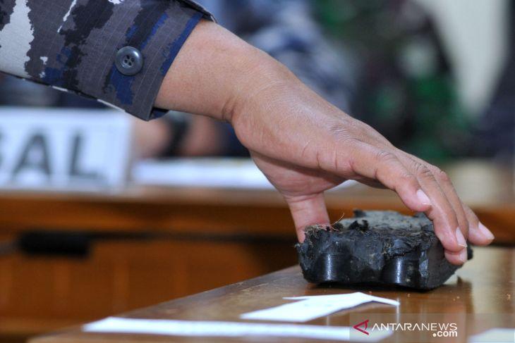 Parts of missing submarine KRI Nanggala 402 found: Navy