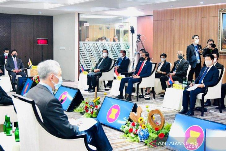 ASEAN reaches five-point consensus on ending Myanmar crisis