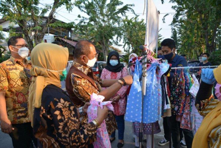 Wawali Armuji dorong kemandirian ekonomi warga Surabaya lewat Bazar Ramadhan