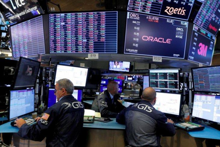 Wall Street bervariasi, S&P,  dan Nasdaq ditutup di rekor tertinggi