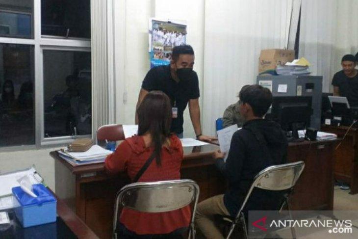 Satpol PP Belitung amankan empat pasangan bukan suami istri di penginapan
