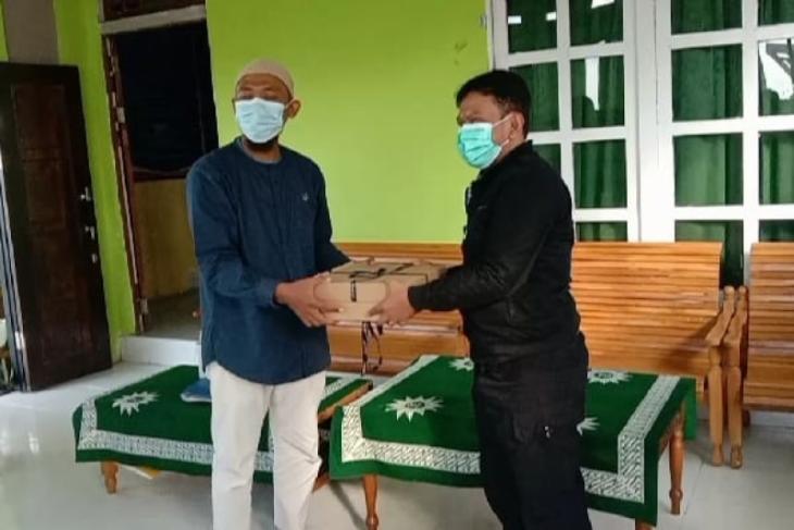 PWI Sintang berbagi bingkisan ke Panti Asuhan Aisyiyah