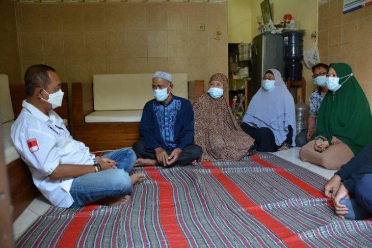 Wawali Surabaya turut semangati keluarga awak kapal selam KRI Nanggala