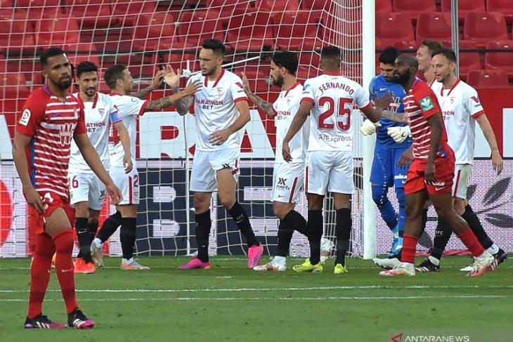 Menang 2-1 atas Granada, Sevilla dalam persaingan gelar La Liga