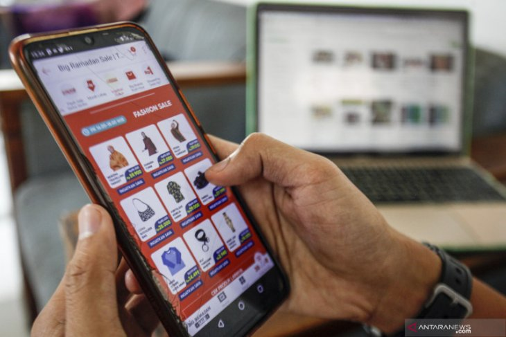 Pelarangan mudik dinilai pengaruhi tren transaksi digital