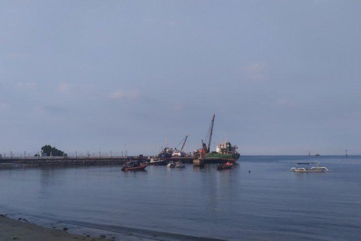 Kapolres: laporkan bila ada temuan di pelabuhan Celukan Bawang