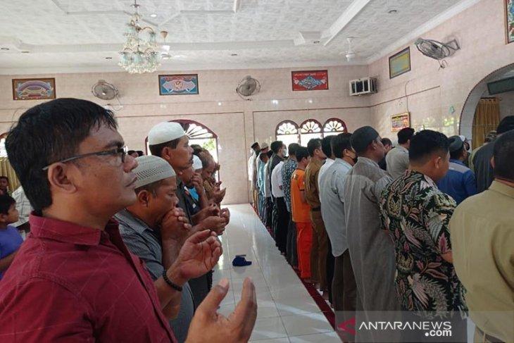 Warga Aceh Tamiang gelar shalat gaib untuk awak KRI Nanggala 402