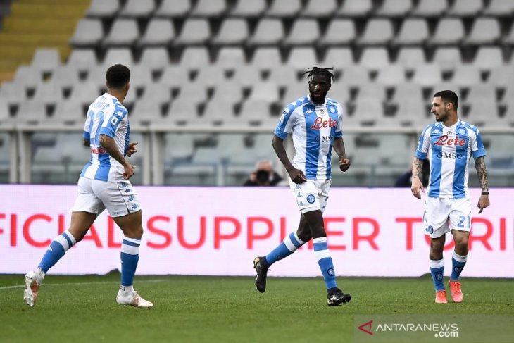 Napoli salip Juventus usai menaklukkan Torino 2-0