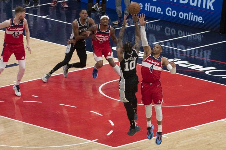 DeRozan pimpin Spurs hentikan kemenangan Wizards