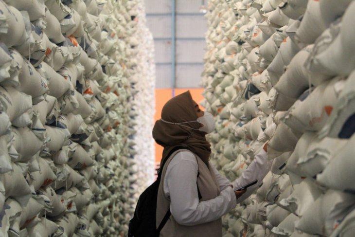Bulog Sumut siapkan stok beras komersial untuk penuhi permintaan  konsumen
