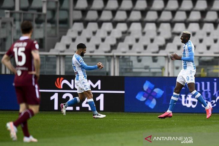 Napoli naik ke posisi ketiga setelah kalahkan Torino 2-0