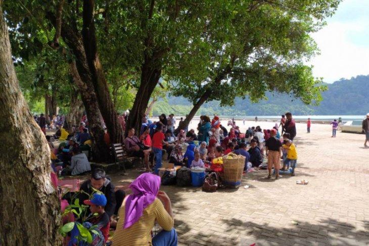 Obyek wisata di Kayong Utara tetap buka namun tetap menerapkan prokes