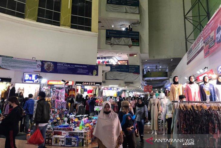 Jam operasional Pasar Tanah Abang diatur antisipasi lonjakan pengunjung