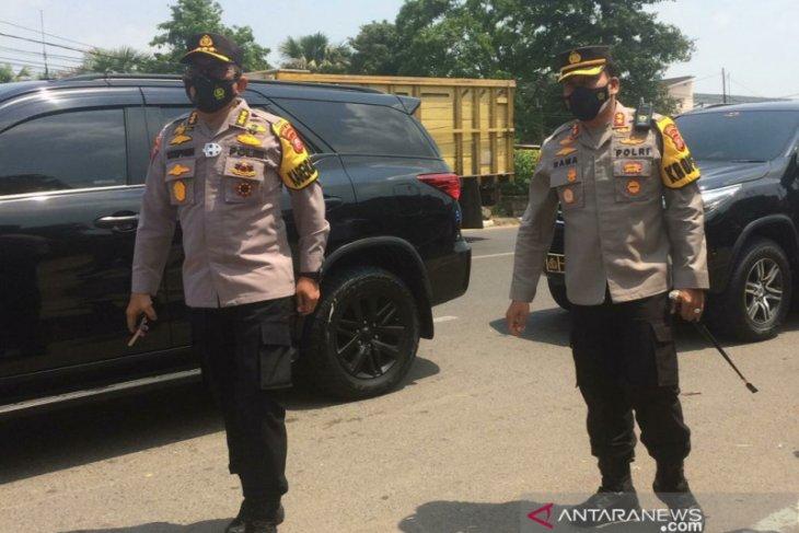2.000 personel gabungan diturunkan untuk lakukan penyekatan mudik di Karawang