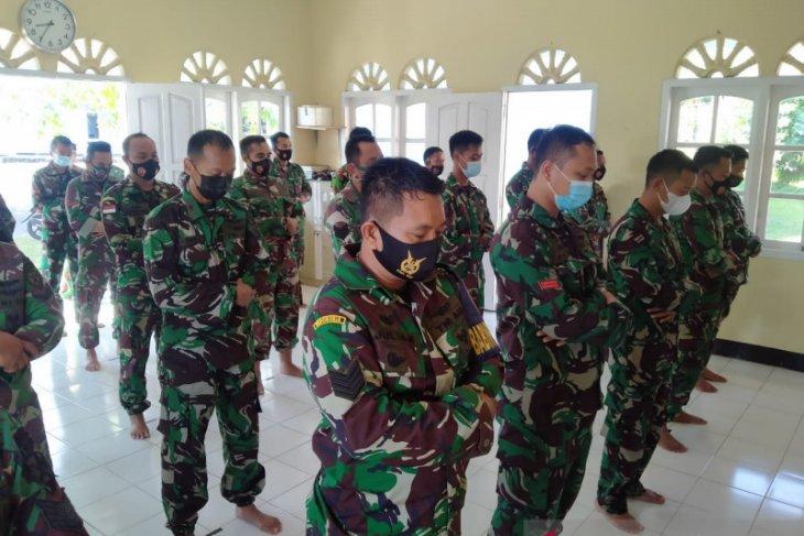 Lanud ASH Belitung gelar shalat ghaib dan doa Bersama untuk prajurit KRI Nanggala-402