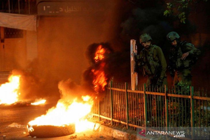 23 warga Palestina ditangkap militer Israel dalam penyerbuan di Tepi Barat