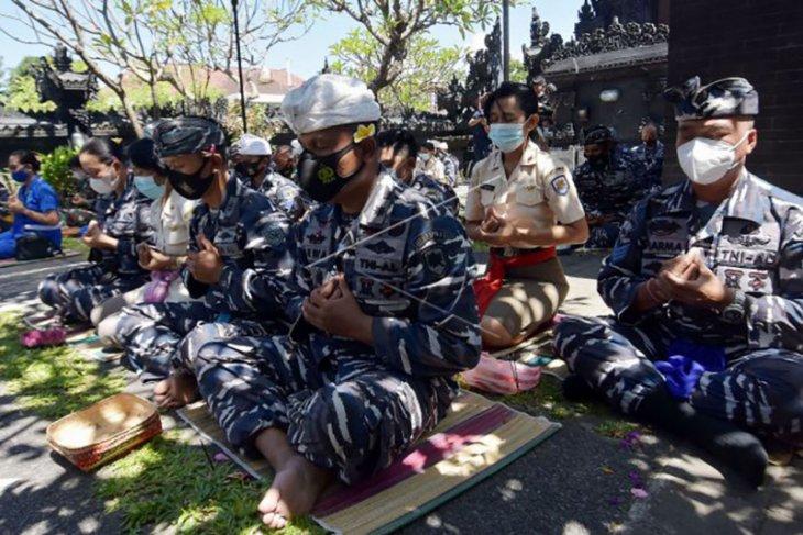 Doa-doa untuk 53 prajurit KRI Nanggala-402