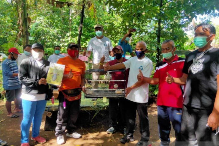 AQUA Mambal peringati Hari Bumi dengan budidaya Jalak Bali