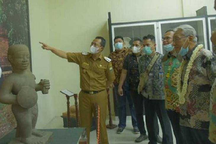 Wabup Muarojambi kenalkan Situs Cagar Budaya Candi Muara Jambi