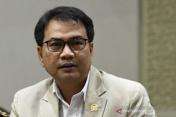 KPK geledah rudin Azis Syamsuddin