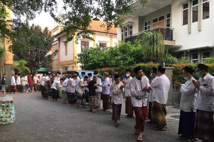 Pesantren Tebuireng Jombang sewa 40 bus untuk pulangkan ribuan santri