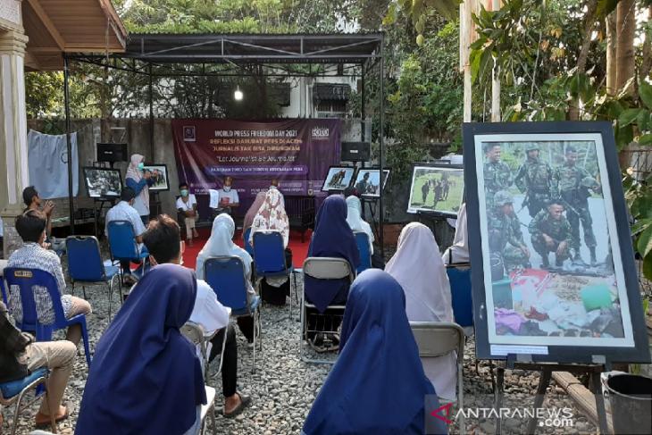 Hari kebebasan pers dunia, AJI dan PFI pamerkan karya saat konflik Aceh
