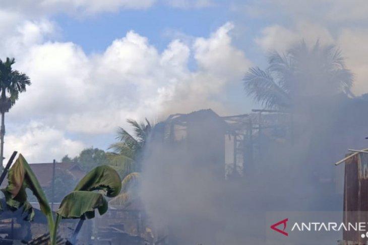 Enam rumah di kota Sorong Papua Barat terbakar