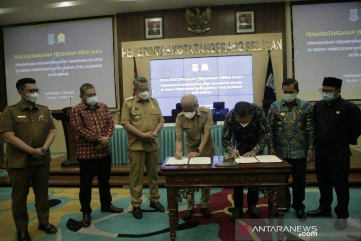 Jalin kerjasama dengan Pemkot Serang, Pemkot Tangsel resmi buang sampah ke TPA cilowong