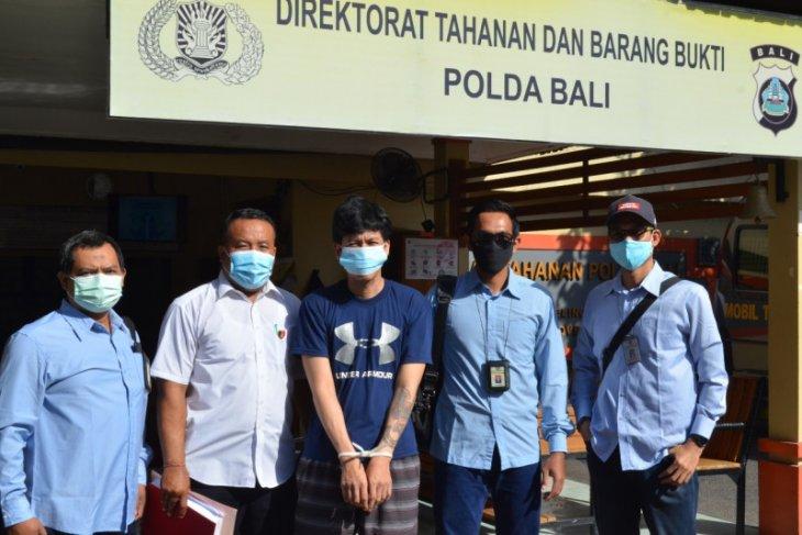 DJPb Bali serahkan tersangka pidana pajak Rp2,28 miliar ke Kejari Denpasar